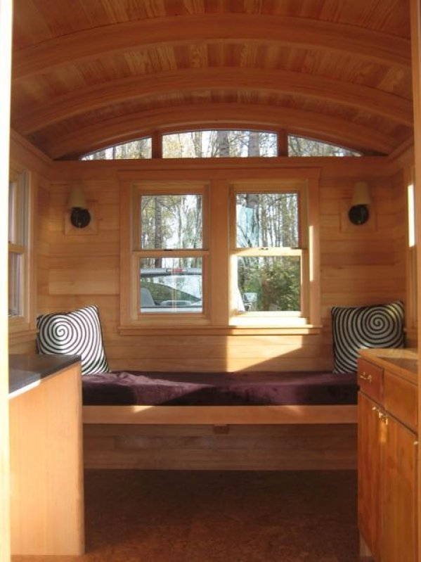 Inside the Don Vardo Tiny House 003