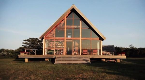 Jens Risoms Oceanside Prefab Cottage