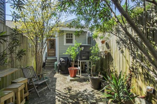 Jewel Box Cottage in NOLA For Sale 0010