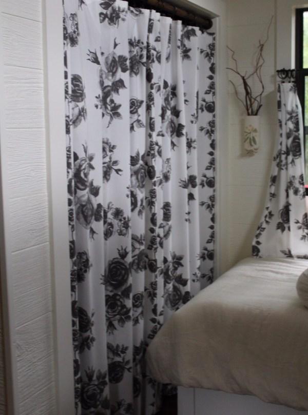 Kathys 16 x 28 Tiny Cottage in Texas 0027