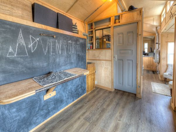 Lewis & Clark's Tiny House Vacation Rental 0010