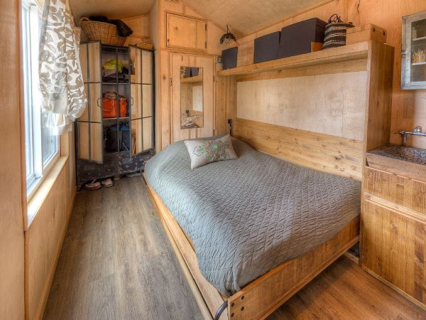 Lewis & Clark's Tiny House Vacation Rental 009
