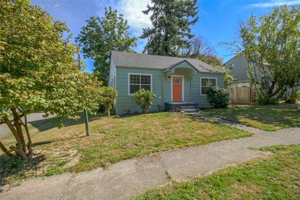 little-bungalow-in-olympia-for-209k-001