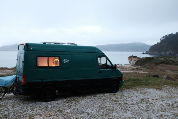 London Artists Leave Flat for Van Dwelling 0010