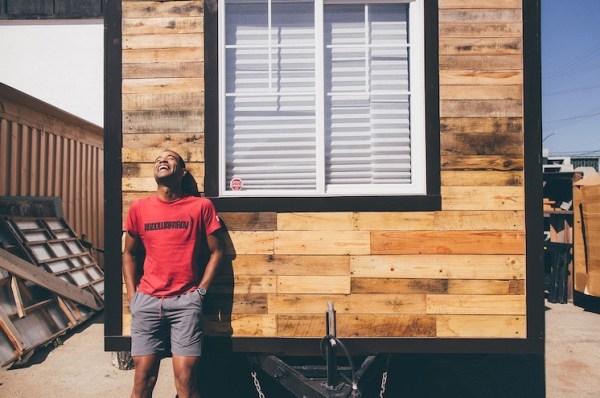 Man Building Cheap DIY 200 sq ft Tiny Home on Wheels 001