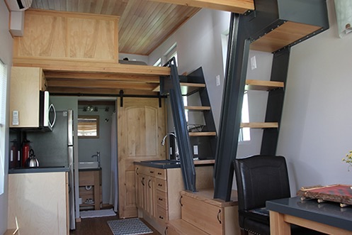 Man Cave Tiny House 002