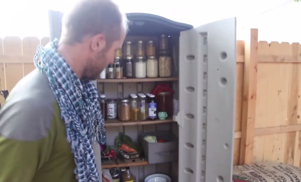 Man Simplifies into Off-Grid Micro Cabin Life in California 008