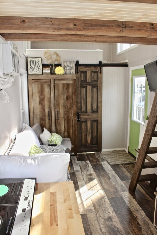 Mini Mansion Chic Shack Lime Green Thow