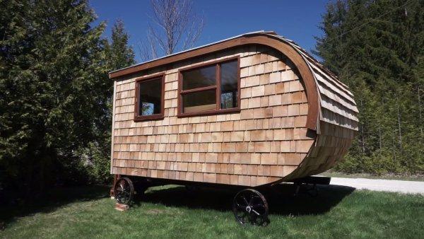 Modern Shepherd Hut Tiny House by Gute 001
