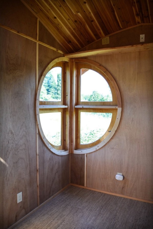 MoonDragon Tiny House by Zyl Vardos via TinyHouseTalk-com 0017