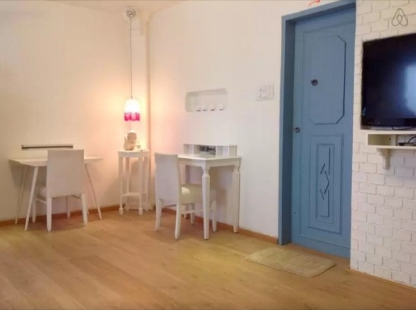 Entrance to Studio with Corner Desks