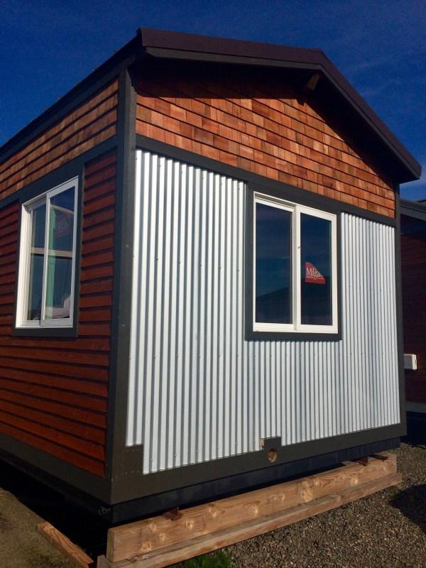 Mt Hood Lodge Tiny House by Tiny Smart House_001