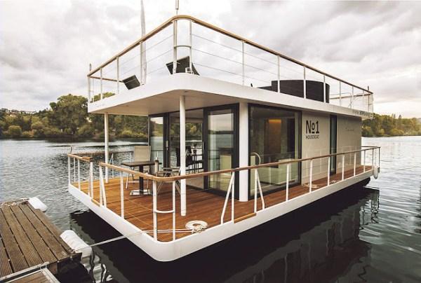 No1 Living 40ft Houseboat 001