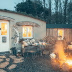 Nomad Gypsy Cottage Vacation with Unique Home Stays 11