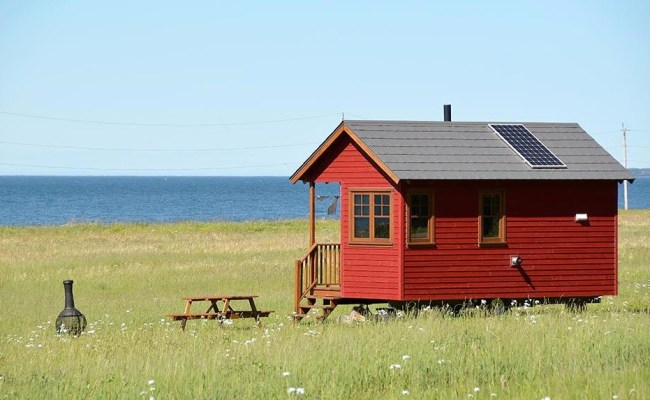 Waterfront Off Grid Tiny Houses In Quebec