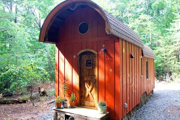 old-time-caravan-tiny-house-001