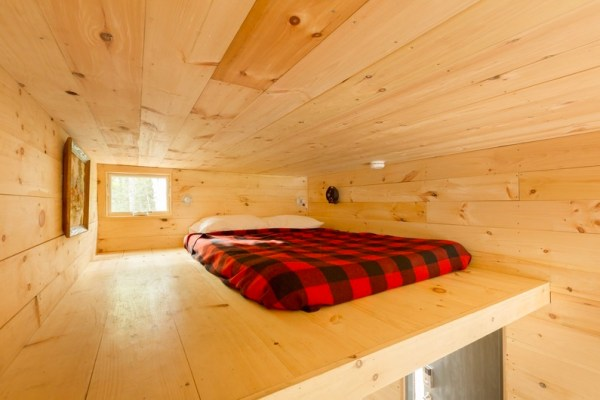 Tiny House on Wheels Vacation in Boston by Millenial Housing Lab and Getaway House 007
