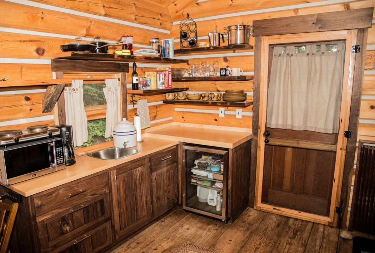 Pioneer style tiny log cabin in ely minnesota for Log cabin style bunk beds