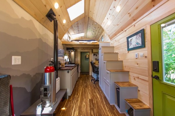 Portable Pioneer Tiny House Photo by Aaron Lingenfielter via TinyHouseTalk-com 006