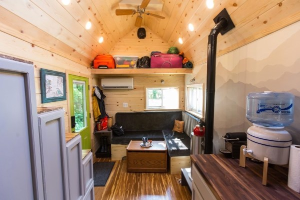 Portable Pioneer Tiny House Photo by Aaron Lingenfielter via TinyHouseTalk-com 009