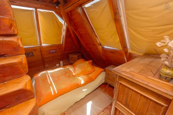 Pyramid Cabin 0012