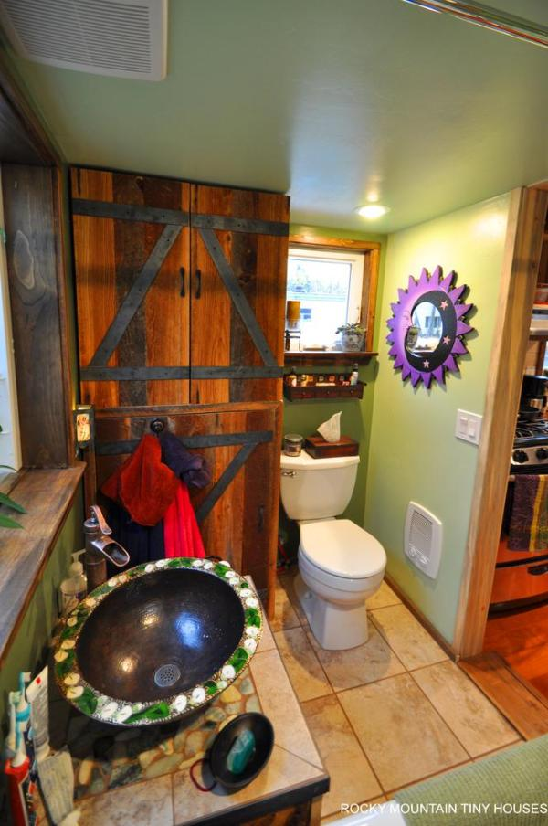 red-mountain-34-tiny-house-by-rocky-mountain-tiny-houses-17