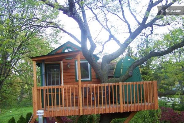 Romantic-Garden-Treehouse-13