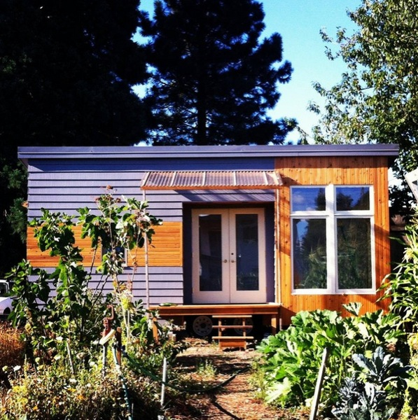 rustic modern tiny house in portalnd