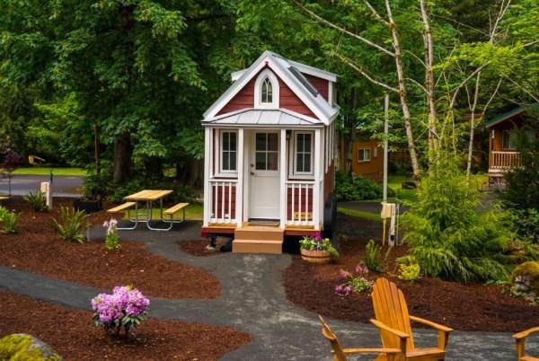 Scarlett Tiny House at Mt Hood Tiny House Village 002