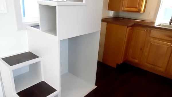 8 x 18 Green Box THOW (Epic Closet!)