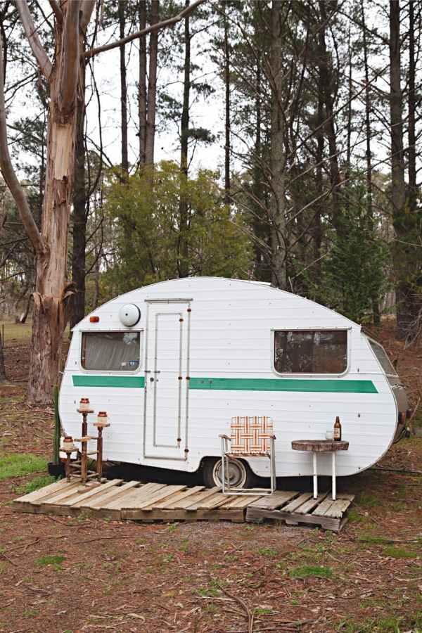 shack-caravan-tram-tiki-bar-23