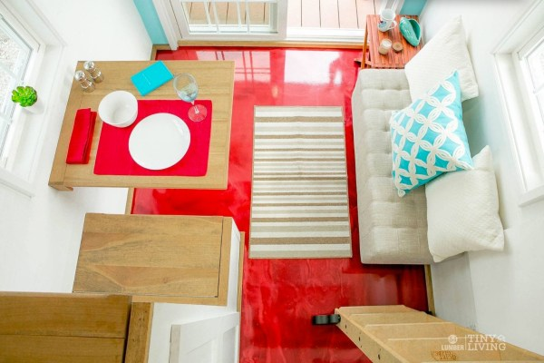 Shonsie Tiny House in Red 0011