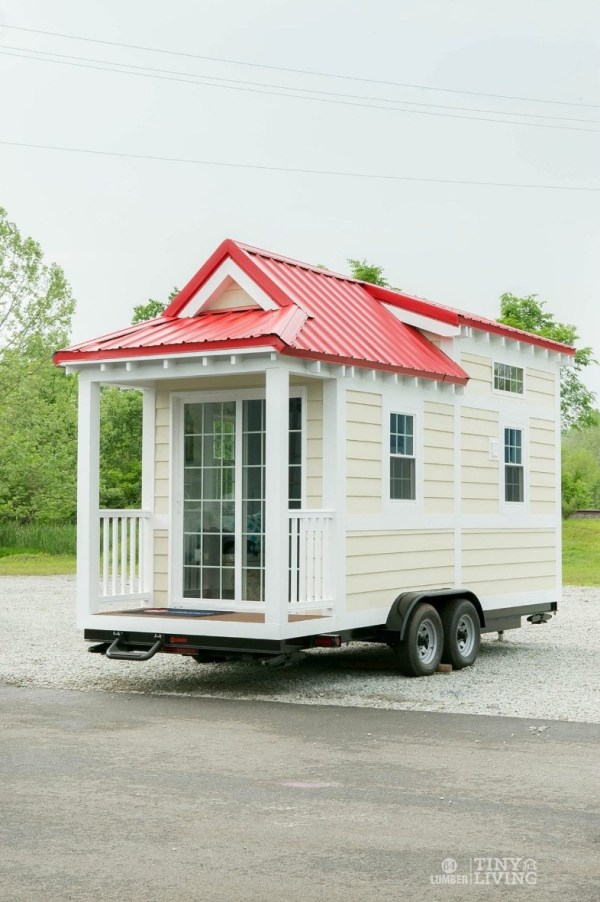 Shonsie Tiny House in Red 0014