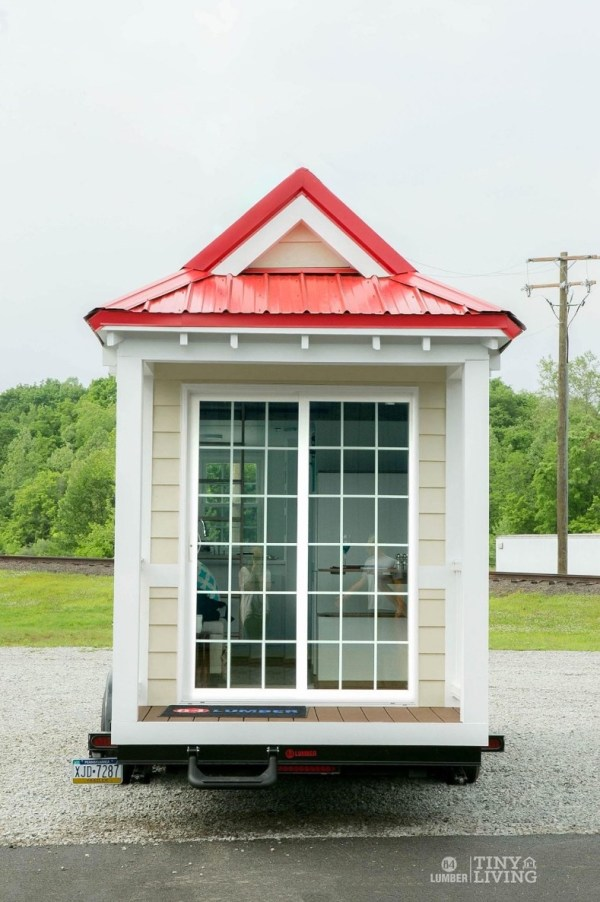 Shonsie Tiny House in Red 0015