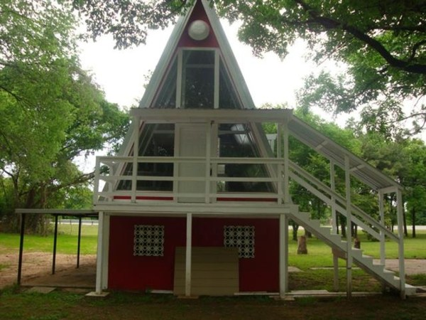 Small A-Frame House For Sale in Texas 0003