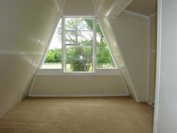 Small A-Frame House For Sale in Texas 0008