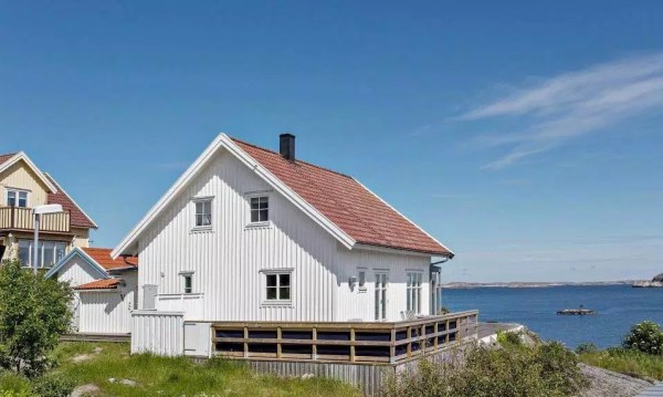 Small Coastal Cottage in Sweden 0013