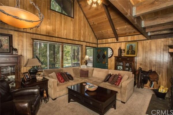 Sugarloaf A-frame Cabin in Big Bear