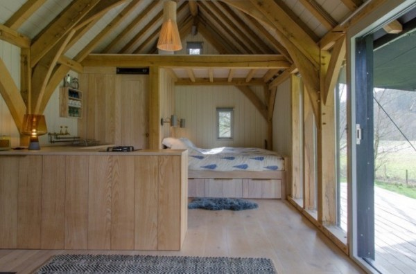 Sustainable, Offgrid Modern Tiny Cabin In Devon, England