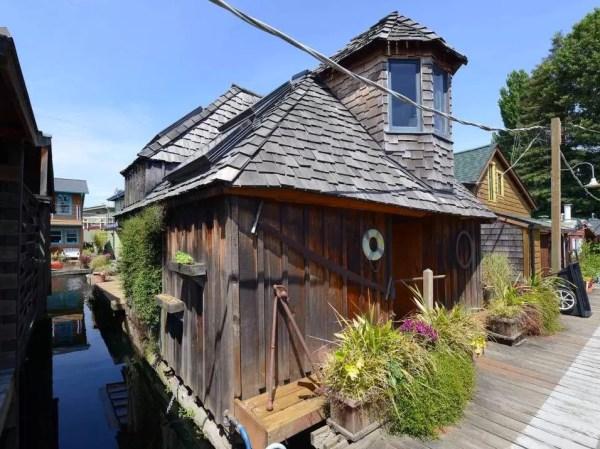 The Hobbit Houseboat 0018