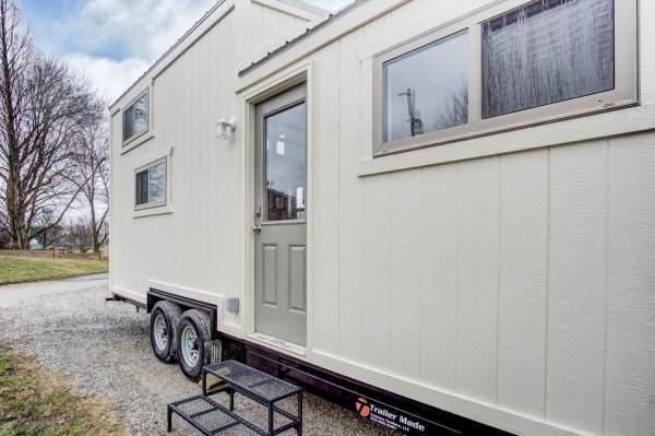 The Pearl Tiny House by Modern Tiny Living 0036