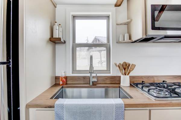 The Pearl Tiny House by Modern Tiny Living 008