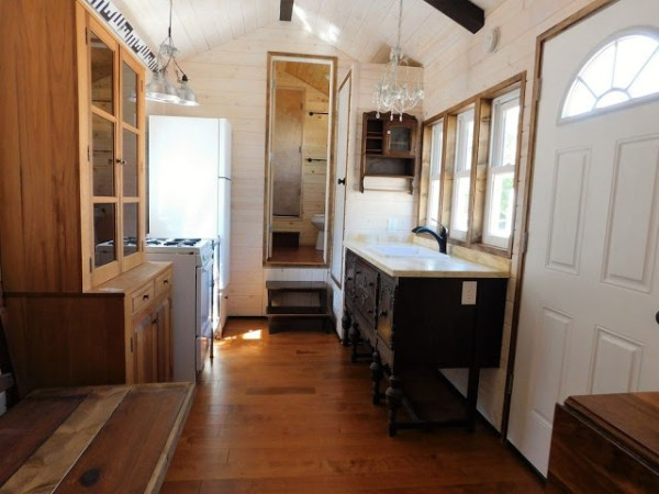 the-rose-tiny-home-002