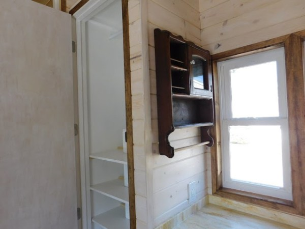 the-rose-tiny-home-004