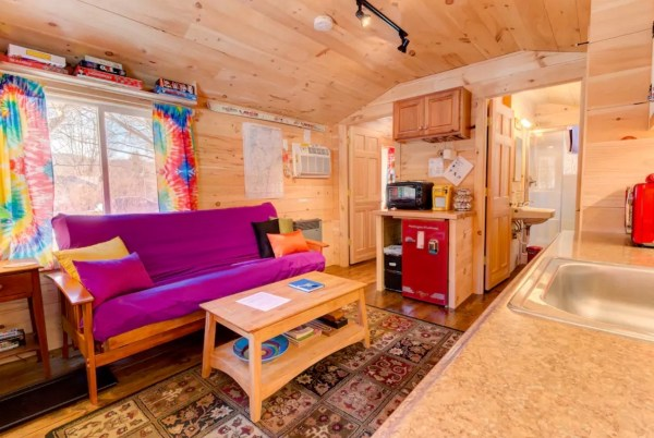 The Tiny Apple Blossom Cottage 004