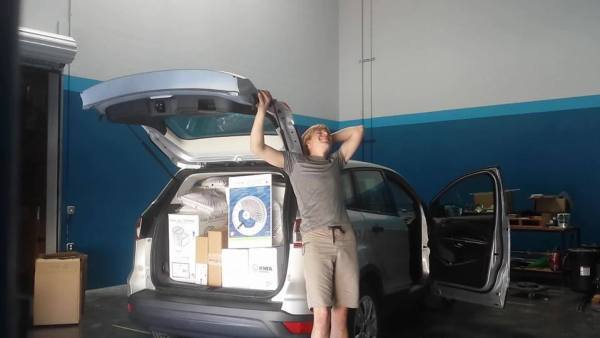 this-guy-lived-out-of-his-suv-while-working-as-a-regional-sales-manager-12