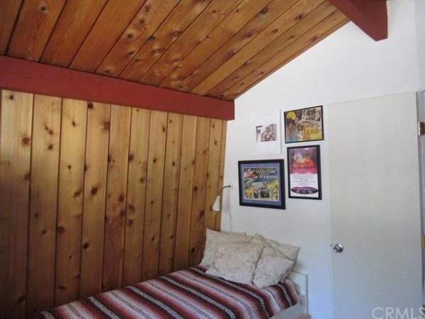 Tiny A-frame Cottage 0018