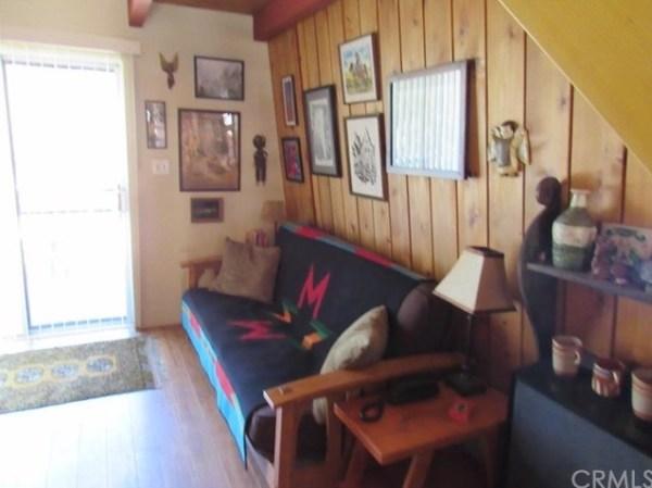 Tiny A-frame Cottage 003