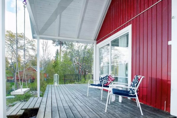 Tiny Bungalow by the Sea in Sweden 0022