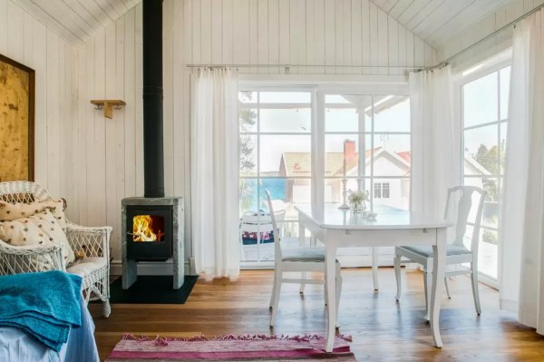 Tiny Bungalow by the Sea in Sweden 005